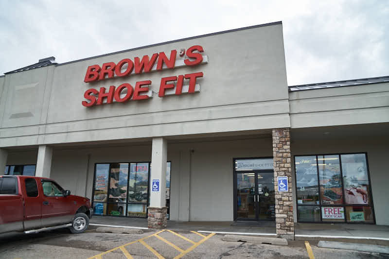 Brown S Shoe Fit Topeka Ks