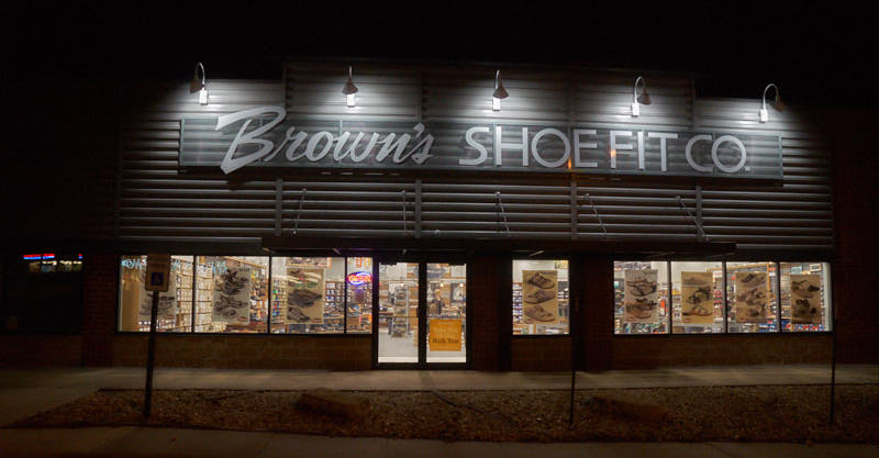 Dubuque shoe store
